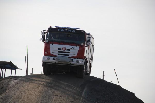 Terénní jízda požárním speciálem TATRA TERRA